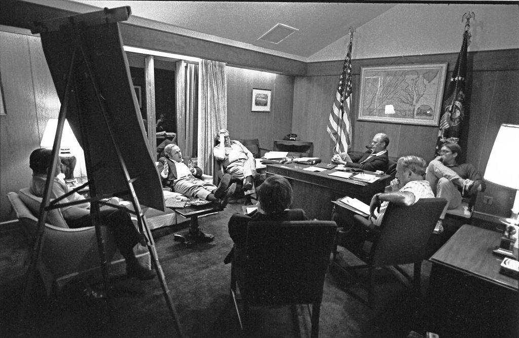 White_House_Chief_of_Staff_Dick_Cheney_during_a_campaign_strategy_session_-_NARA_-_7027918